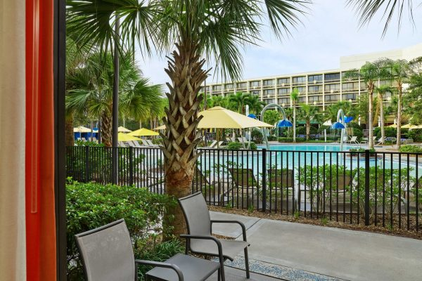 mcobs-patio-pool-view-6189-hor-clsc